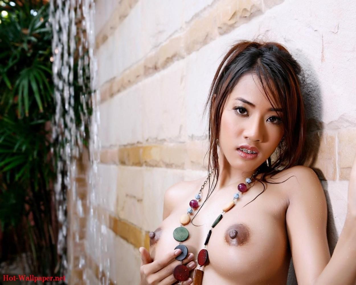 asian-brunette-hot-sexy-320