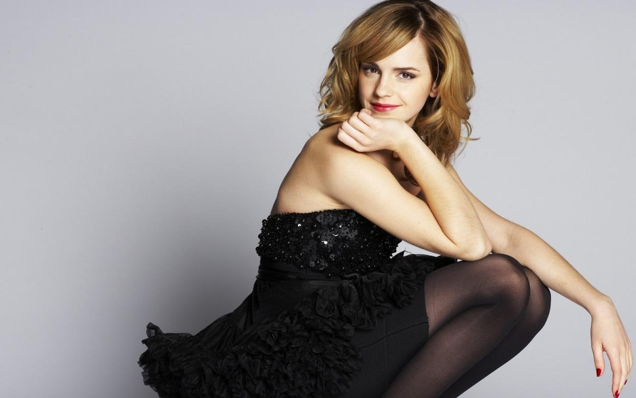 Emma Watson warm picture Gallery..
