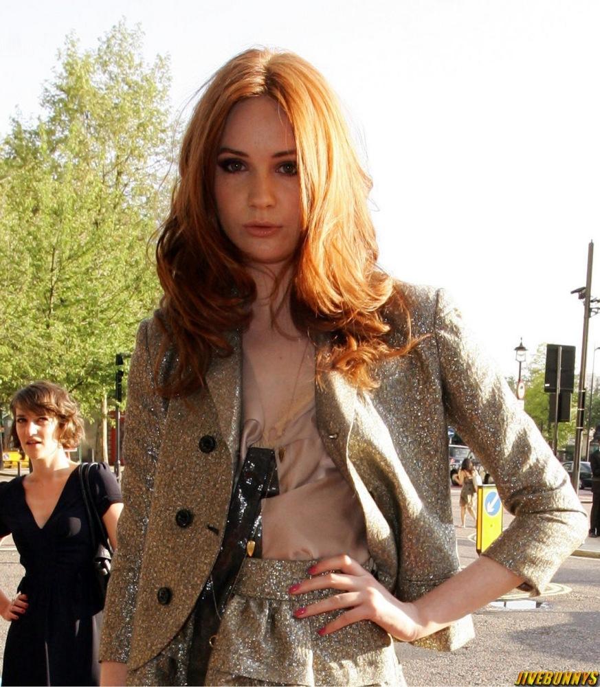 Karen Gillan Gorgeous  and Picture..