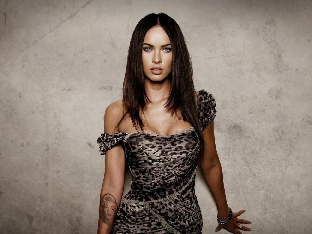 Megan Fox Super-steamy Actress HD..