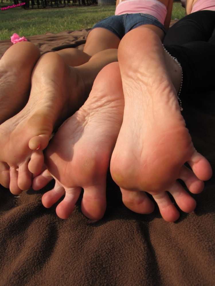 Wu's Feet Attaches - Cherry Rosy..