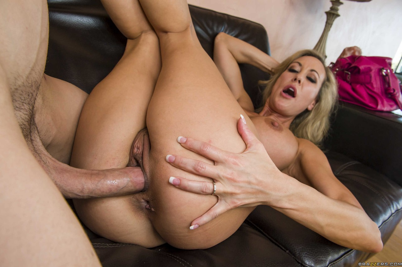 Brandi Enjoy blows hardworking..