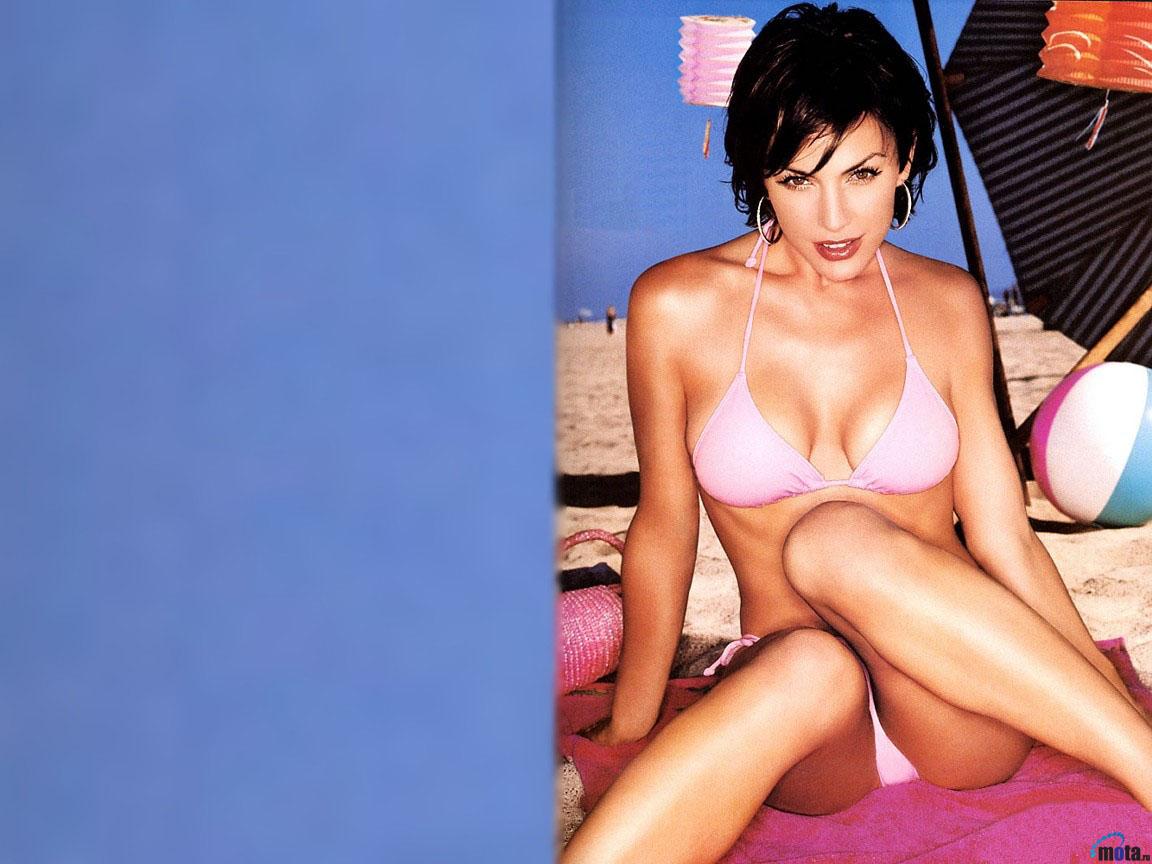 Download Wallpaper actress model..
