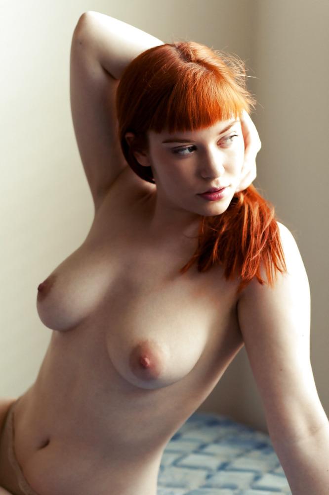 Mackenzie Mauzy  nackt