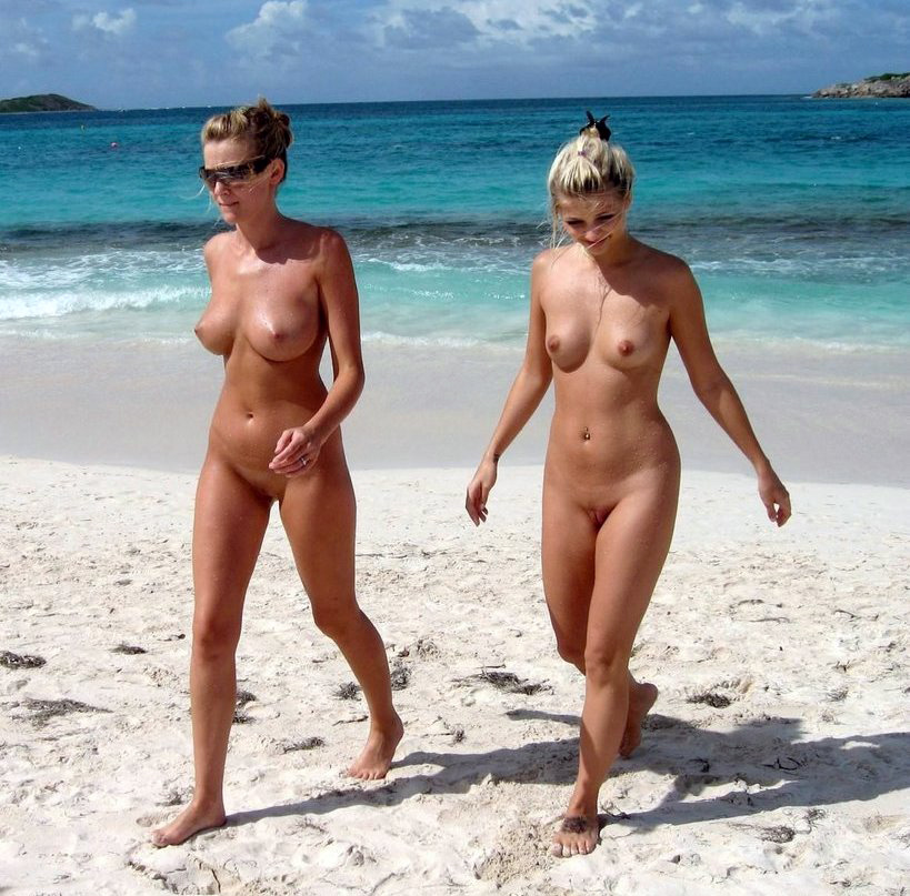 Sexy women sunbathing naked on the..