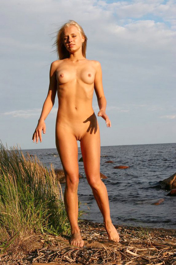 Real nudist and nudist first-timer..