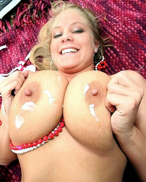 She juggling her meaty tits and then..