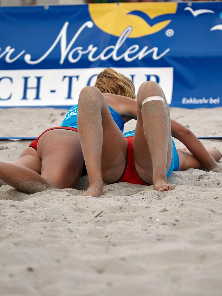 Cool hard ripped dolls toying volleyball